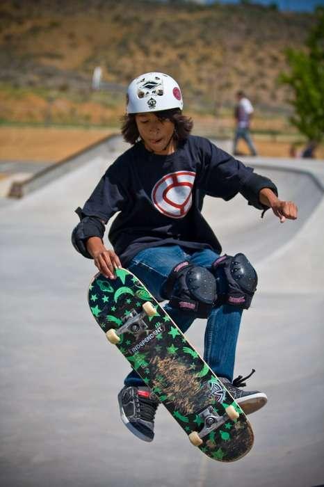 IMAGE: http://img2.imageshack.us/img2/4898/skate28.jpg